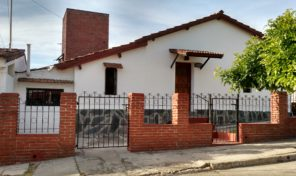 Casa y depto en calle Los Alpes  Mina Clavero