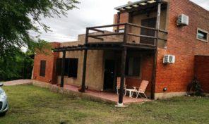 (Alq. temp.) Casa Av. Los Porteños cerca del río en Nono